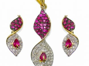 Diamond Pendant Set in India