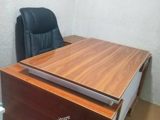 Executive office table 5 feet