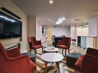 Get £500 Cashback on iQ Brocco Sheffield Student Accommodation Booking
