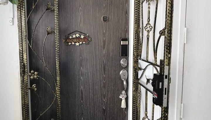 WTS: Satin Gold EPIC Digital Lock $399 HP:97294946
