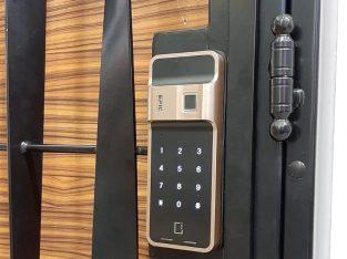 WTS: EPIC Stalin Gold Digital Lock $399 HP: 97294946