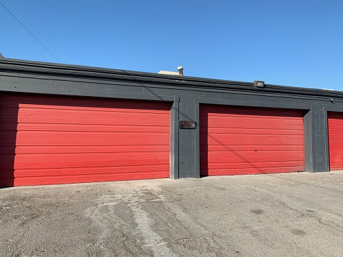 Garage Space For Rent With compressor