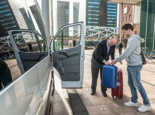 Leeds Bradford airport taxi ~ Leeds Bradford airport transfers