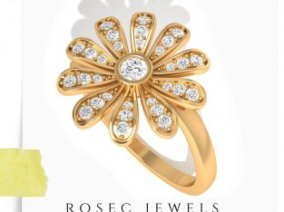 Flower Engagement Ring in 14kt Yellow Gold