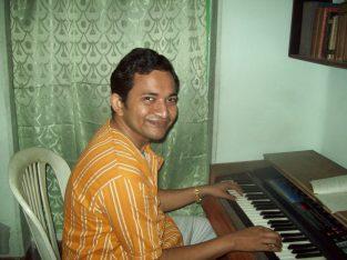 learn keyboard in kolkata from pratanu banerjee
