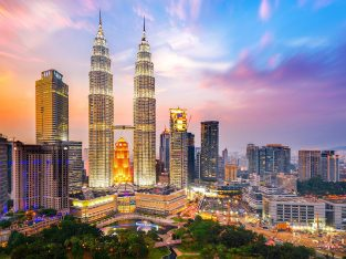2.Alluring Singapore And Malaysia Holiday Tour Package