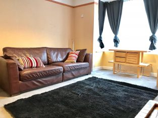 Affordable furnished double bedroom flat to rent